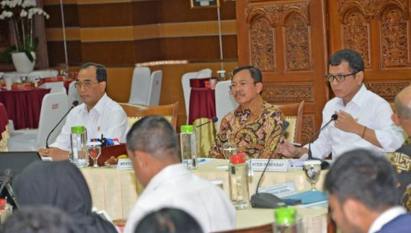 Rakor upaya pencegahan virus korona di Indonesia, di Kantor Kemenhub Jakarta