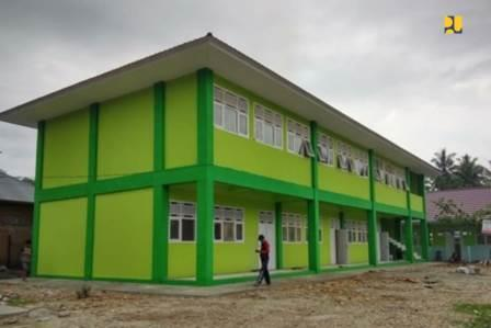 Pemerintah melalui Kementerian Pekerjaan Umum dan Perumahan Rakyat (PUPR) selama tahun 2019 telah melakukan rehabilitasi dan renovasi sekolah, madrasah, perguruan tinggi, pasar dan membangun sarana prasarana olahraga