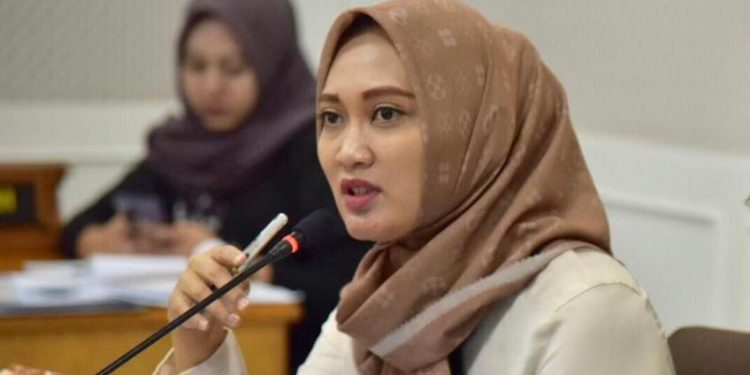 Anggota DPRD Jabar Komisi IV dari Fraksi PDI Perjuangan daerah pemilihan 2 Kabupaten Bandung, Hj. Nia Purnakania, S.H., M.Kn
