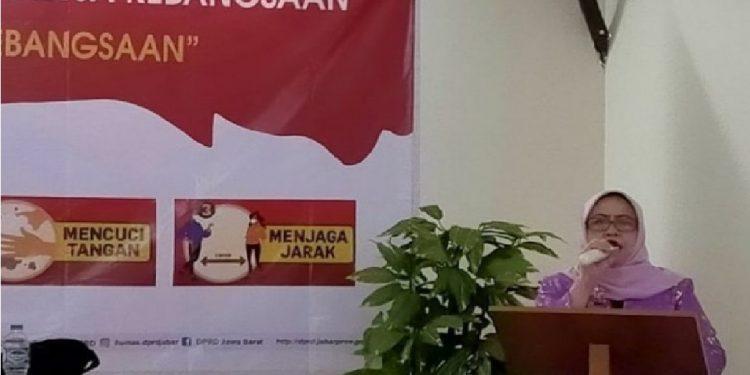 Anggota Dewan Perwakilan Rakyat Daerah (DPRD) Provinsi Jawa Barat dari Fraksi PDI Perjuangan, Dra. Hj. Elin Suharliah, M.Si