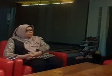 Anggota DPRD Provinsi Jawa Barat dari Fraksi PDI Perjuangan Dra. Hj Ellin Surhaliah M.Si