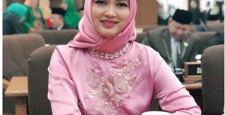 Anggota Komisi IV DPRD provinsi Jawa Barat dari Fraksi PDI Perjuangan, Hj. Nia Purnakania, SH.MKn