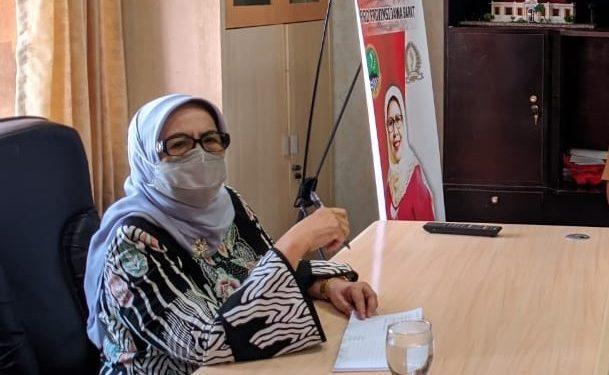 Anggota DPRD Provinsi Jawa Barat dari fraksi Partai PDI Perjuangan, Dra. Hj. Elin Suharliah Ms.I