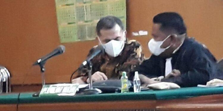 sidang kasus suap Rp1,6 miliar terkait proyek pembangunan RSU Kasih Bunda dengan terdakwa Ajay, di Pengadilan Tipikor Bandung, Senin (19/4).