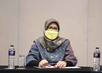 Anggota DPRD Provinsi Jawa Barat dari Fraksi PDI Perjuangan Daerah Pemilihan (Dapil) III Dra. Hj. Ellin Surhaliah, M.Si.