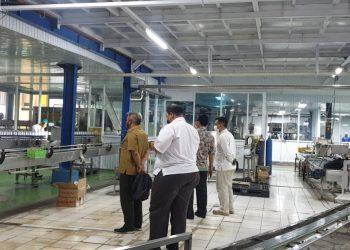 KPH Bandung Utara kunjungi pabrik pengelolaan air minum dalam kemasan Al-Masoem