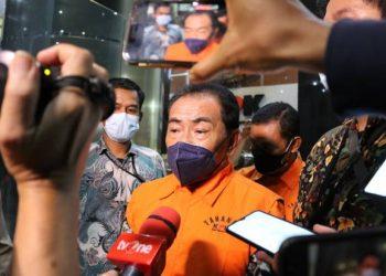 Bupati Banjarnegara Budhi Sarwono ditahan KPK/Foto: Sutikno